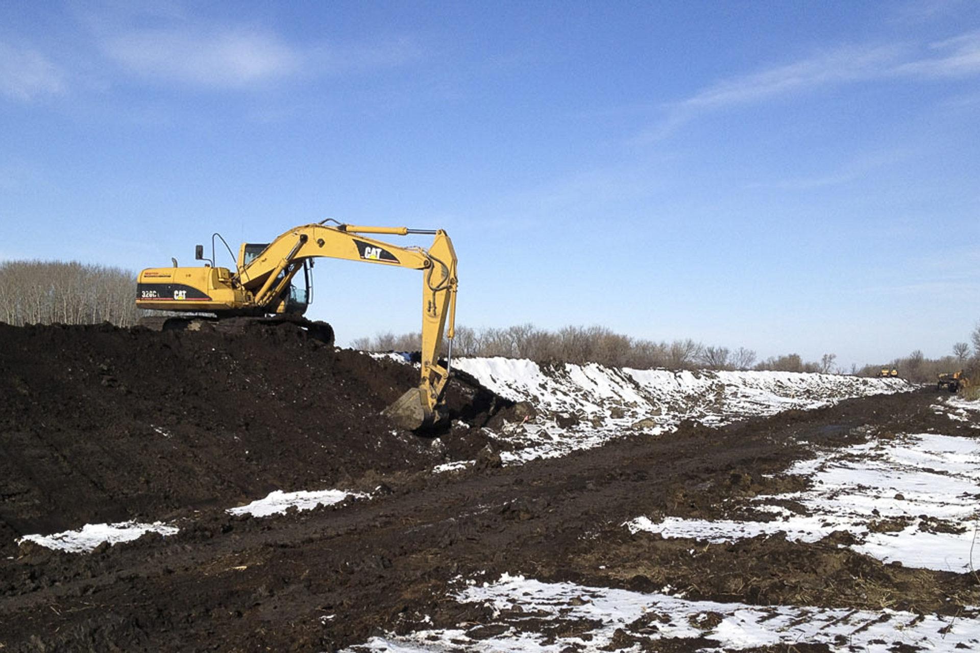 Chanupawakpa Dakota First Nation Dike Build